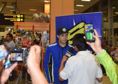 Mario Román entrevistado en el aeropuerto de Lima
